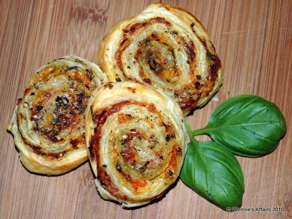 Pizza Pinwheels | Dinner Recipes | Pinterest | Pizza Pinwheels ...