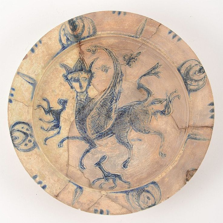 Large Laqabi type glazed earthenware dish