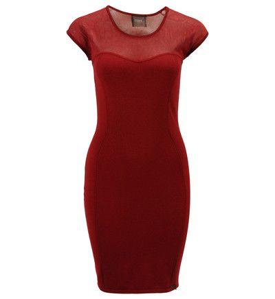 Robe fourreau dentelle Guess Rouge prix promo Galeries Lafayette 105.00 € TTC.