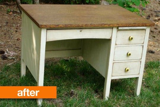 """Holly readily admits that organization isn't her strong point, so she certainly sympathized with her client's desire to find a """"mommy desk"""" to help her get organized as her eldest started kindergarten"""