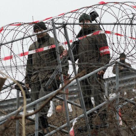 Počet žádostí o azyl v Rakousku klesl o 43 procent. Prioritou jsou nyní deportace.