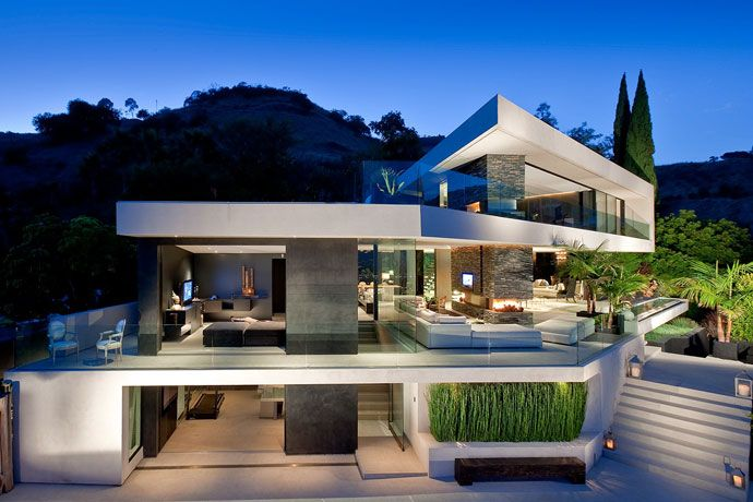 """""""Openhouse"""": This Hollywood Hills home (between Laurel and Nichols Canyon) relies on steel beams set into the hillside to anchor the extraordinary cantilevers. Featured in the movie """"Spread"""", it's got quintessential SoCal style: open, sexy, and with killer city views. Los Angeles, California 