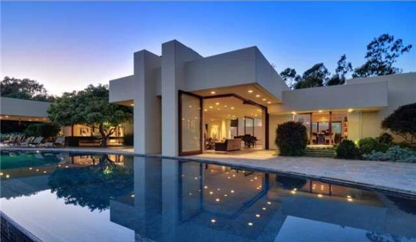 Beautiful contemporary home in rancho santa fe by for Beautiful modern homes