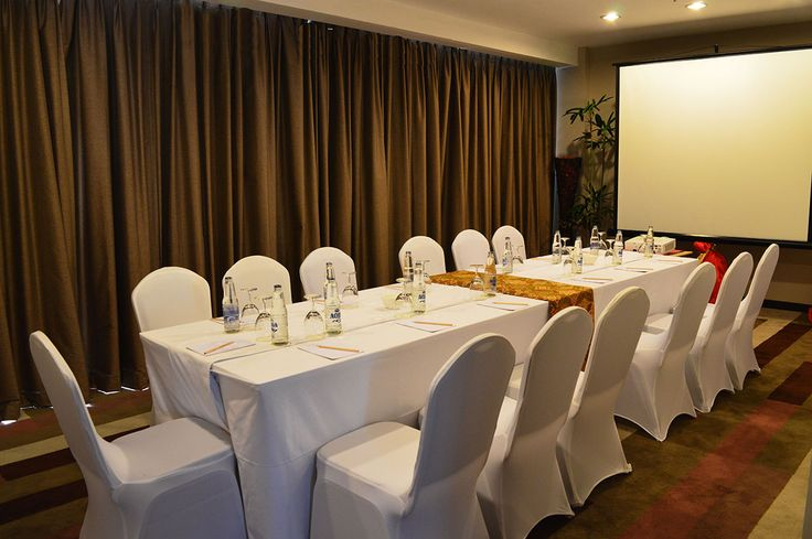 Tabanan Room is located at the 6th floor, featuring 30 m2 of space can be catering up to 30 people altogether. The meeting room has front yard that can be used for purpose of reception area, cocktails table and registration desk.
