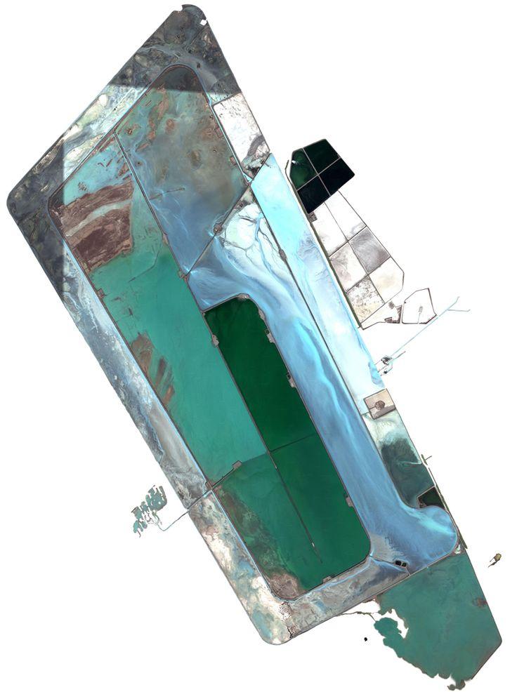 Satelite Landscapes van Jenny Odell on http://on.dailym.net/PiUo3g - Satelite Landscapes van Jenny Odell – DailyM – met de komst van Google Earth zijn er al heel wat kunstenaars een nieuwe richting in geslagen  - http://cdn.dailym.net/mag/wp-content/uploads/2014/03/mexican-waste-pond.jpg