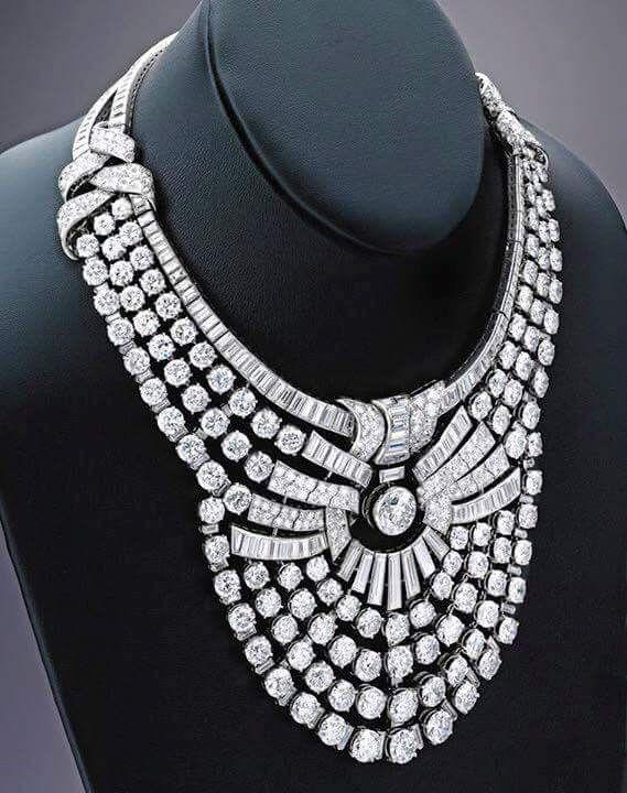 عقد من الماس خاص بالملكة نازلى صبرى تصميم Van Cleef Arpels الصفحة الرسمية لموقع الملك فاروق الاول Royal Jewelry Beautiful Necklaces Diamond Necklace