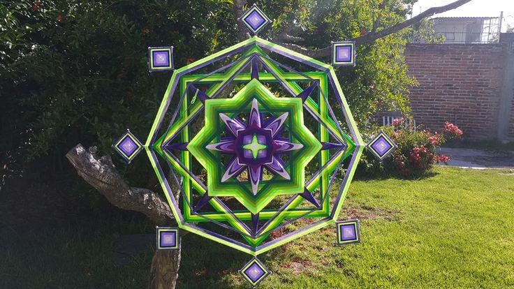 Jacaranda: Hermoso mandala de un metro de diámetro con ojitos de dios a su alrededor