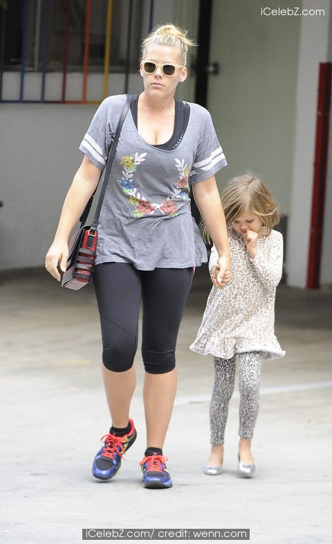 Busy Phillips out with daughter Birdie Leigh Silverstein http://www.icelebz.com/events/busy_phillips_out_with_daughter_birdie_leigh_silverstein/photo1.html