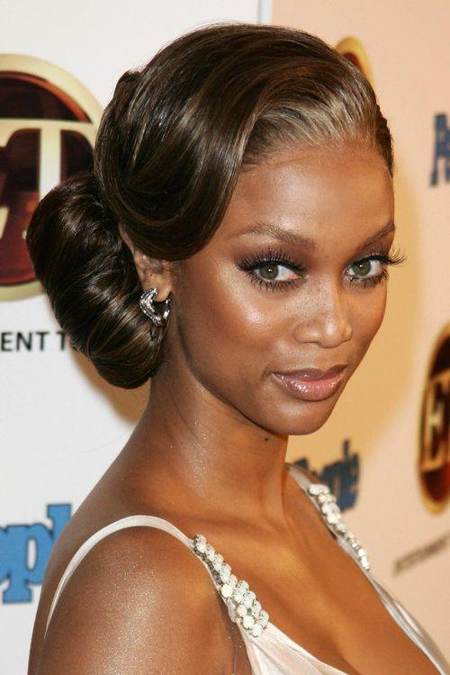Tyra Banks Elegant Side Bun Hairstyles 2015 Arc Szemek