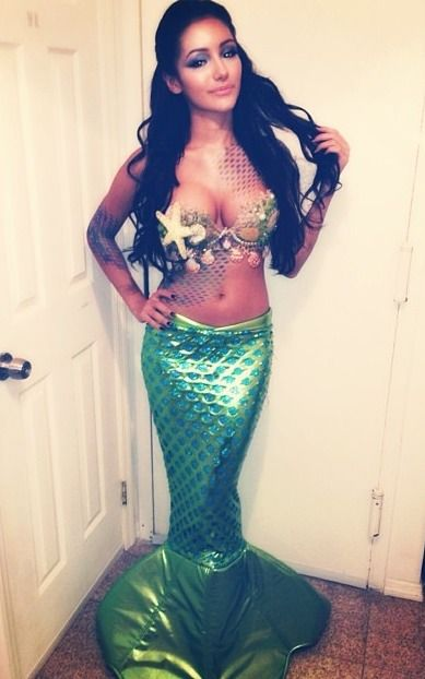 Awesome Mermaid <3<3 Designing and Creativity in Progress <3 ENVIED WEDDINGS & EVENTS www.enviedweddingsandevents.com <3 If you live in Oregon and want your wedding or event to be unique and special, contact us! <3<3