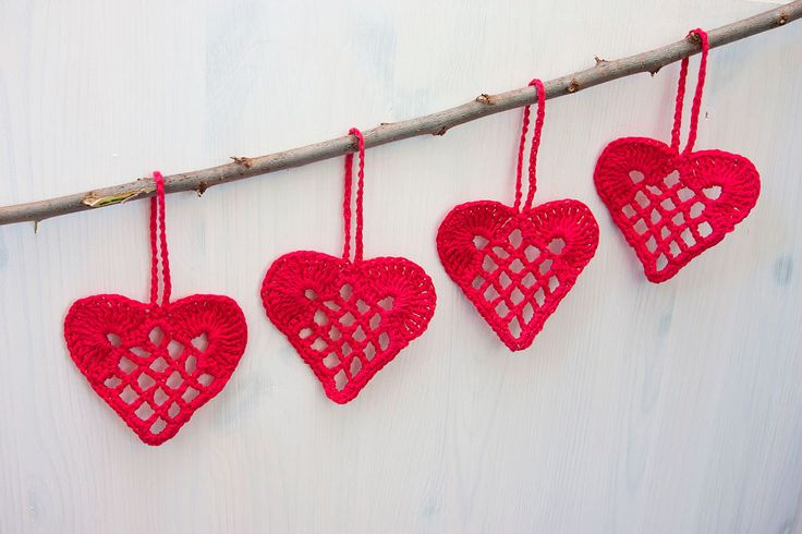 Crocheted red hearts are beautiful Christmas tree, Wedding or Valentine's day decorations, home décor elements or a small gift to a dear friend. The set consists of 4 pieces of red heart ornaments. Red lace hearts are made from 100% cotton thread.
