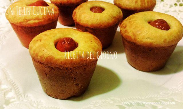 Con Te in Cucina: MUFFIN SALATI CON MINI WURSTEL - SENZA LATTOSIO