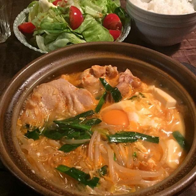 鶏ガラスープに、コチュジャンとトウバンジャン。豚肉にお豆腐、春雨に野菜入れていただきました☺️ - 38件のもぐもぐ - スンドゥブ風 ミニ鍋 by tabajun