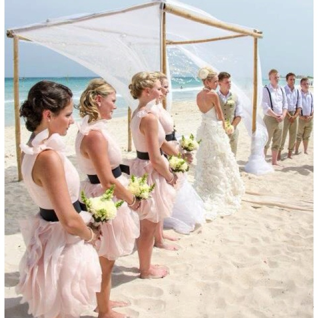 Bridal Party in Vera Wang and EPH Apparel. The perfect marriage.
