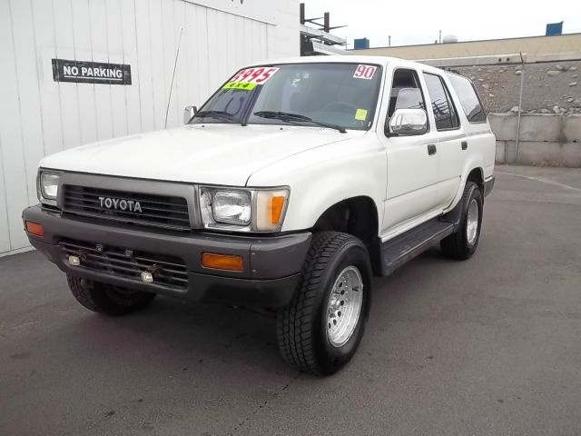 1990 Toyota Forerunner, 4cyl, 5sp, 4WD. Great rig, 22mpg. Similar, I had factory alum wheels, no driv lites.
