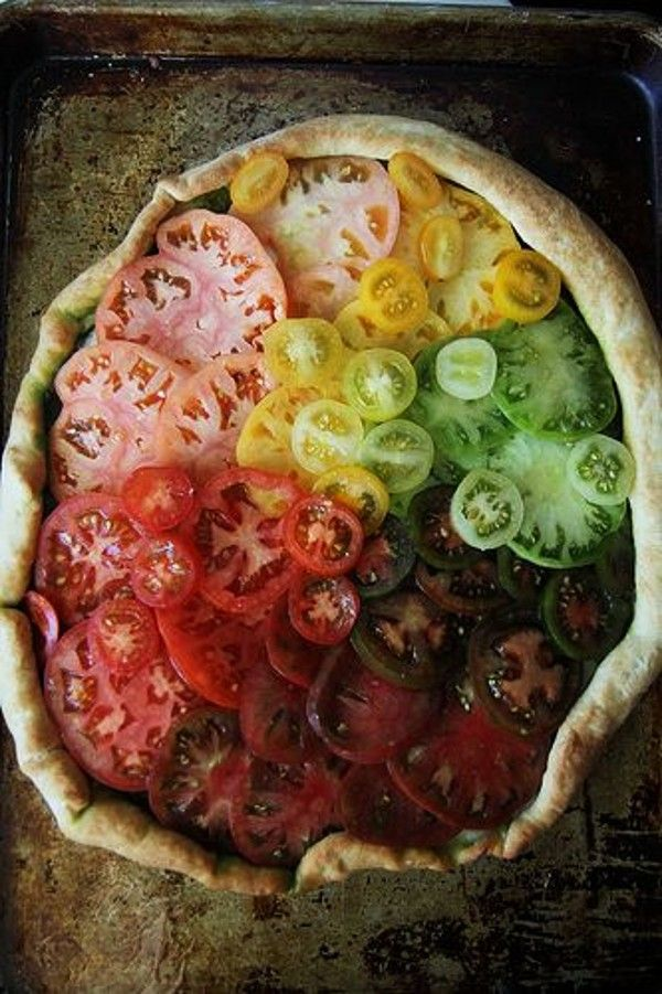 Gorgeous! Sliced tomatoes.