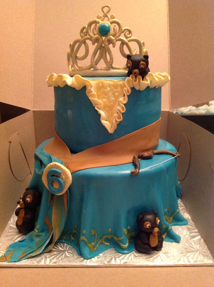 Merida dress, Brave-inspired 2-tier cake.