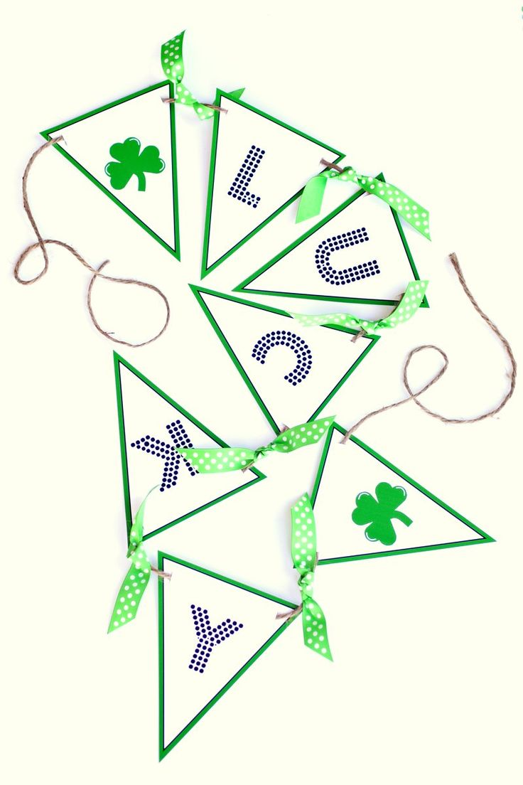 St. Patty's Day Lucky Banner :: Free Printables