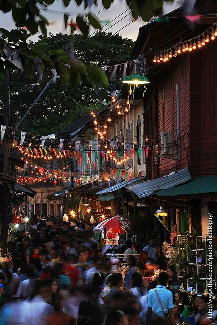 Busy Street, Chanthaburi, Thailand