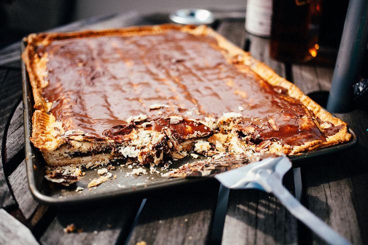 Smores Pop Tart Slab Pie from www.thecrepesofwrath.com