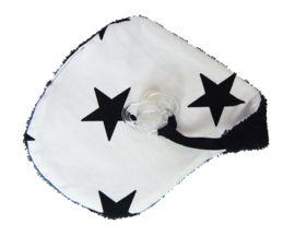 Speendoekje wit/zwarte ster >> https://www.stoelsprookjes.nl/c-3565729/accessoires/