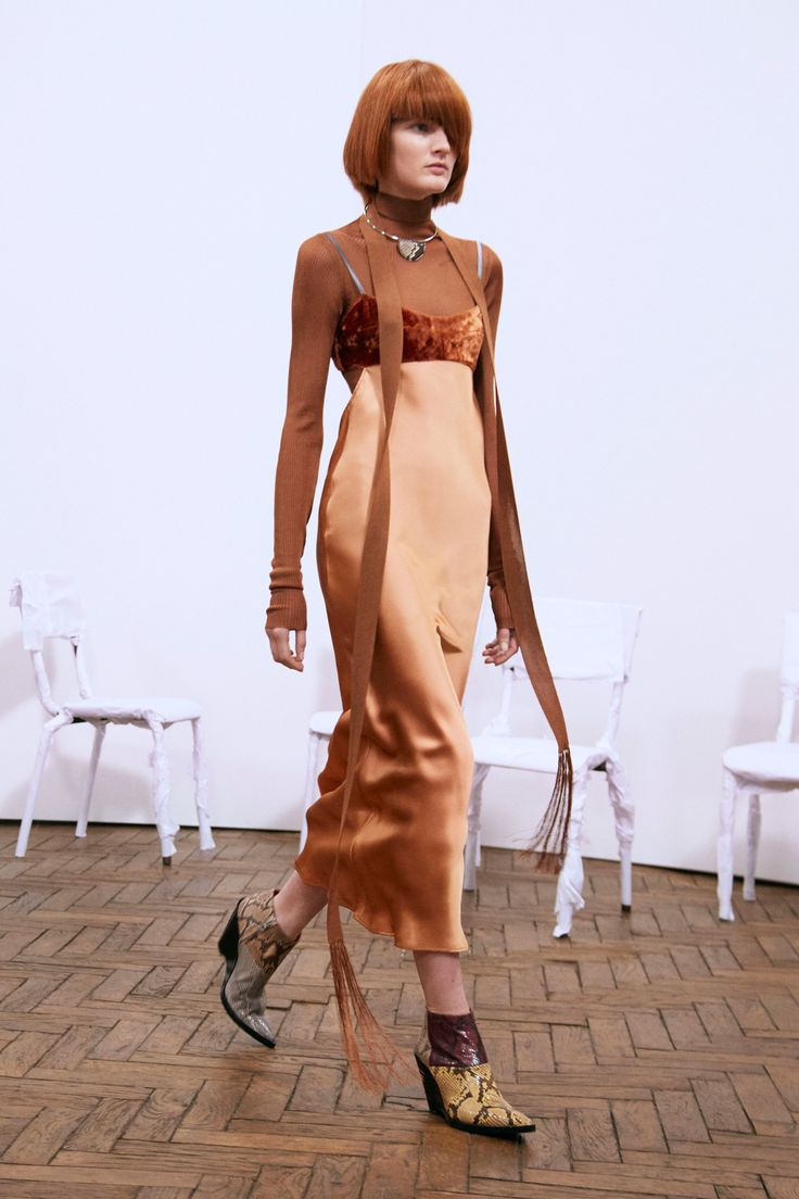 http://www.vogue.com/fashion-shows/pre-fall-2016/acne-studios/slideshow/collection