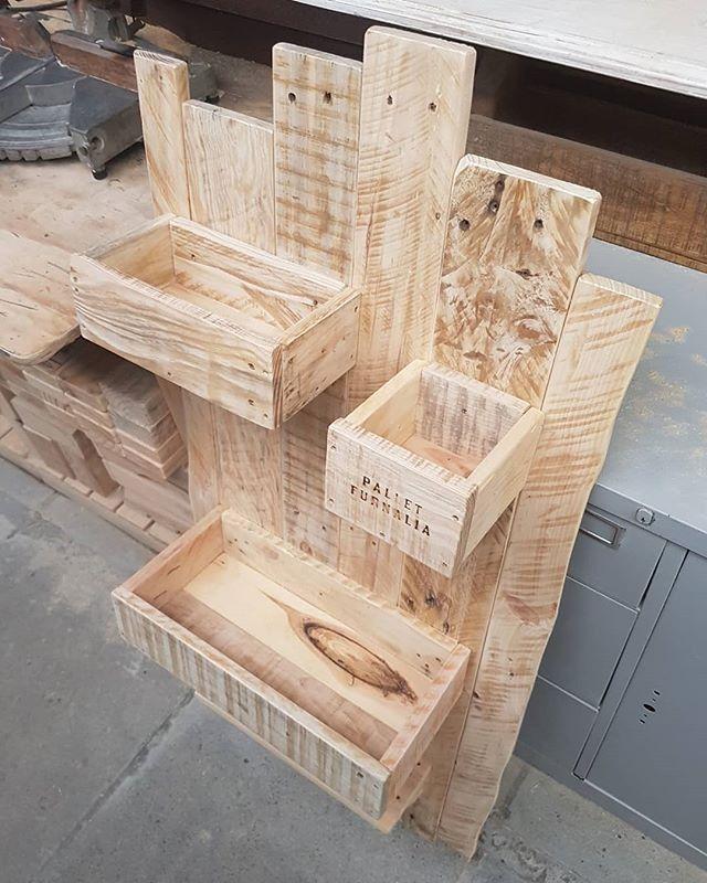 Pallet Wood Shelf: Outstanding Wood Pallet Shelf Ideas