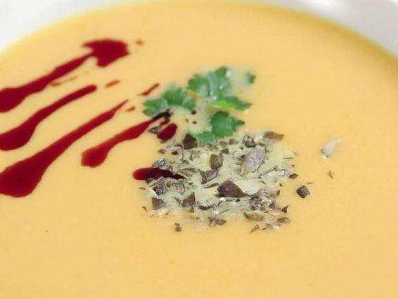 Kürbis zubereiten ist ein Rezept mit frischen Zutaten aus der Kategorie Cremesuppe. Probieren Sie dieses und weitere Rezepte von EAT SMARTER!