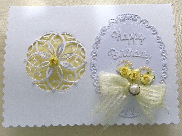 Card using spellbinders floral oval    www.delabur.co.uk