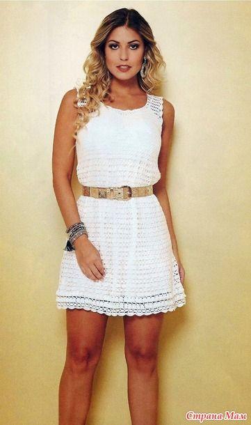 Это очаровательное платье-сарафан связанно очень красивыми узорами. Оно смотрится очень нарядно. Размеры европейский 38 , русский 44& международный M L.
