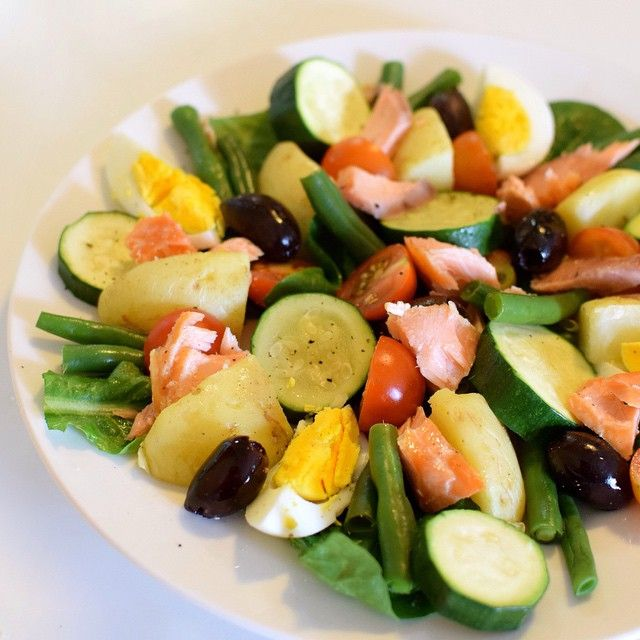 A throw-together smoked salmon Niçoise salad for dinner, and it's so nice to see my 3 yr old trying more vegetables! Today he ate a whole carrot. At his own request. Just sat there and chomped it down. Crazy. Anyway, this was with steamed green beans and zucchini, cherry tomatoes, steamed potatoes, boiled eggs, olives and cos lettuce. Yum.  #dreamingofalmonds