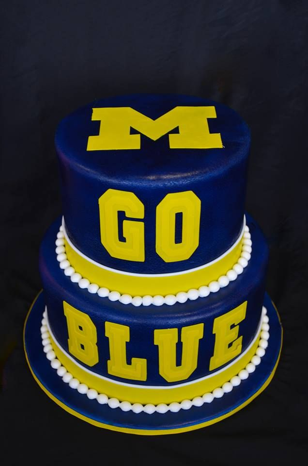 University of Michigan cake made by Gracie Moonpie & Co.