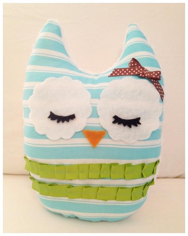 owl owl owl: Owl Pillows, Fabrics Owl Nurseries, Crafts Ideas, Stuffed Owl, Owl Owl, Diy Creative Pillows, Diy Owl, Creative Handmade, Sewing With Owl