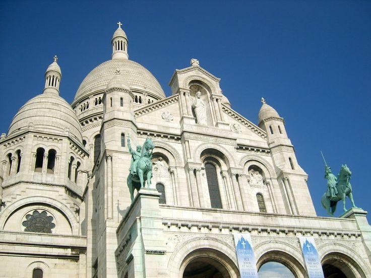 Bazylika Sacre Coeur - Bazylika Świętego Serca - wzgórze Montmartre w Paryżu