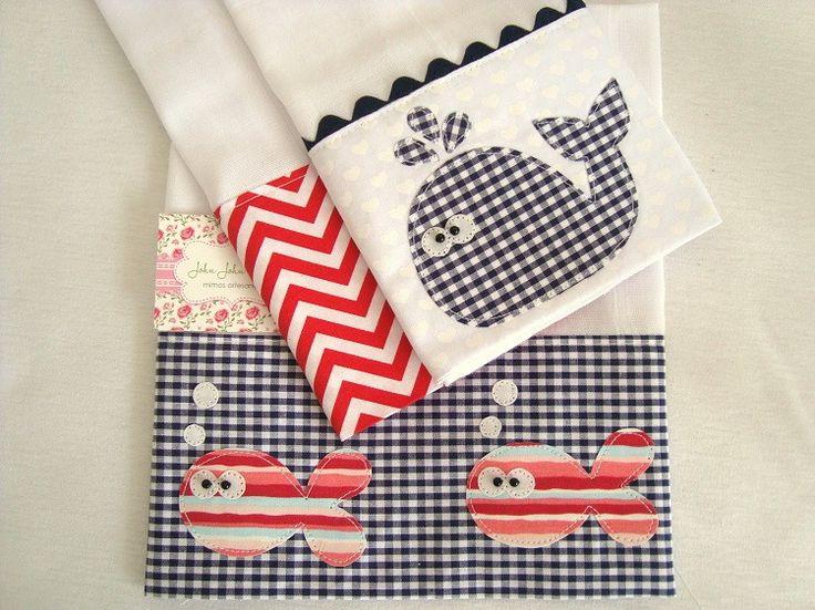 Kit é composto por três fraldas de boca, são ótimas para limpar a boquinha do seu bebê.  São confeccionadas em fralda de ótima qualidade, barrado em tricoline (100% algodão) e aplicações em tecido.