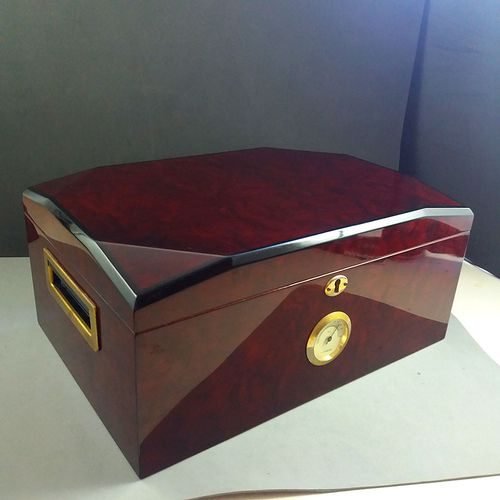 Large Quality Double Height Lacquered Wooden Cigar Box Humidor w/Hygrometer