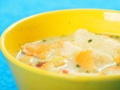 Овощной супчик - рецепт с фото - На 2 литра кипящей воды, добавить пачку любых замороженных овощей по вкусу. Варить 10 минут. В конце добавить пачку плавленого сырка, посолить. Немного зелени по вкусу. Сыр перемешиваем, пока не...