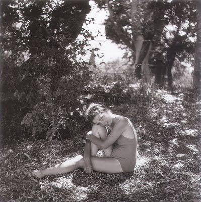 Η Μαρώ στο Κτήμα Τομπάζη. Φωτογραφία Γιώργου Σεφέρη