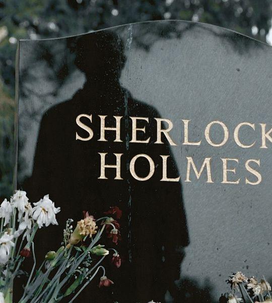 "dramatisecho: ""headstone ; the empty hearse """