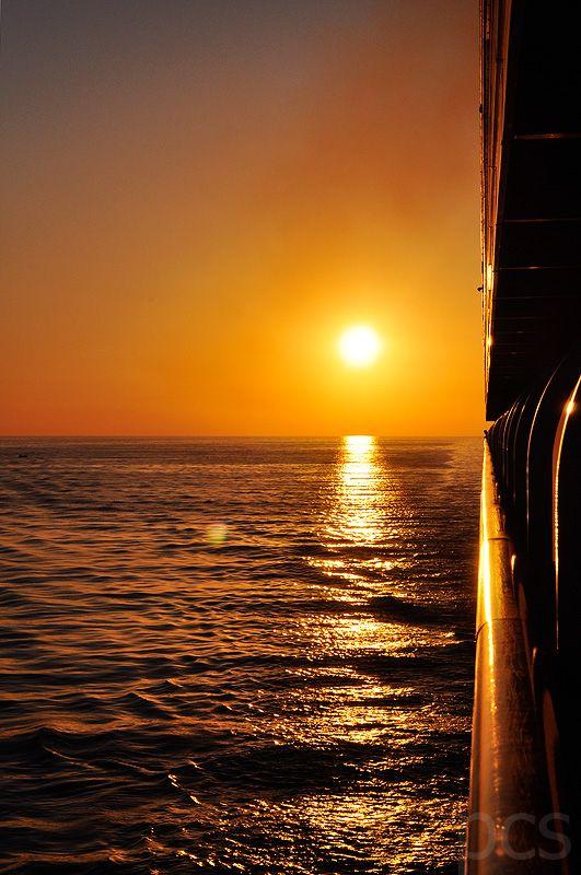 Strait of Hormuz on Mein Schiff 2 http://www.luxify.de/mein-schiff-wird-kommen-dubai-orient-mit-mein-schiff-2/