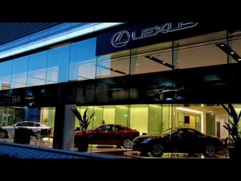 Lexus Dealers Digital Signage
