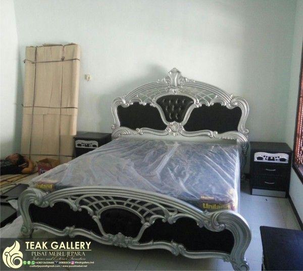 Tempat tidur set kamar pengantin menjadi bagian penting dari dekorasi kamar tidur pengantin karena tanpa keberadaan set tempat tidur pengantin ini