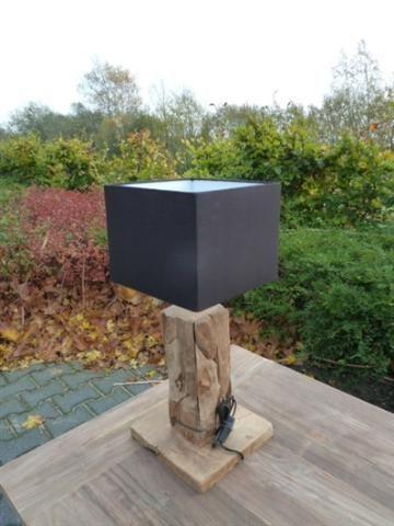 Lamp - Teak- en hardhouten tuin- en woonmeubilair te Zwolle - BVA Auctions