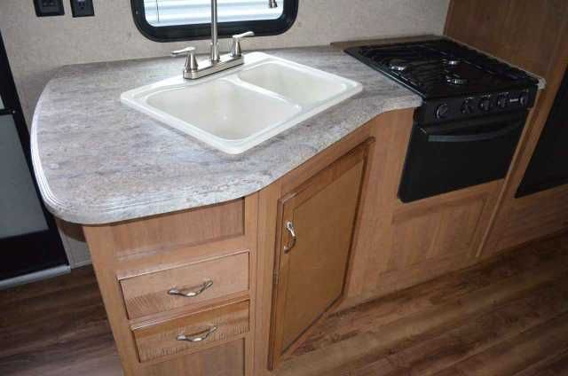 2016 New COACHMAN CATALINA 321BHDSCK Travel Trailer in Michigan MI.Recreational Vehicle, rv, JUST ARRIVED! 2016 COACHMAN CATALINA 321BHDSCK! DOUBLE SLIDE BUNKHOSE TRAVEL TRAILER WITH OUTDOOR KITCHEN. THIS CAMPER IS LOADED! LARGE KITCHEN, U SHAPED DINETTE, JACK KNIFE SOFA, BUNKS WITH FUTON CHAIRS, QUEEN BED, LARGE BATHROOM WITH SHOWER AND TUB, A/C, FURNACE, SOFT SHADES AND SO MUCH MORE! SLEEPS UP TO 10 AND HAS A DRY WEIGHT OF 7690 LBS.AS LOW AS $199 A MONTH WITH APPROVED CREDIT!!Take…