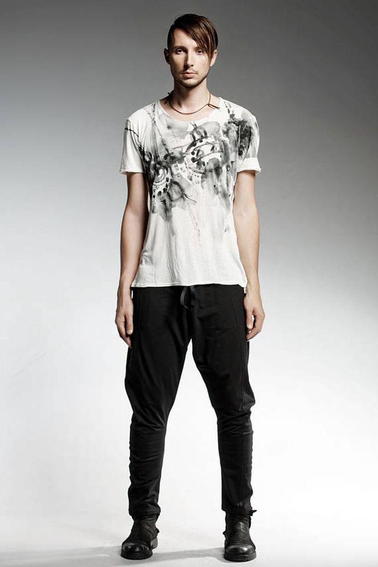Vêtement noir et blanc de marque   découvrez l univers unique de Pendari    Mode   Pinterest   Vêtements noirs, Marque et Vêtements homme. e5b99e91169