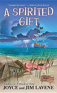 A Spirited Gift by Joyce and Jim Lavene ~ Kittling: Books