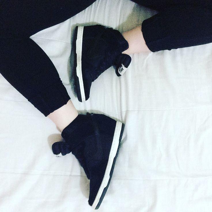 Leggings + runners | https://amyrosekennedy.wordpress.com