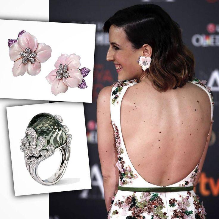 @nataliademolina wearing @carreraycarrera_official jewels in #Goyas2016. #vintage #earrings in #WhiteGold #MotherOfPearl #rubies and #diamonds & the Origen #ring with #prasiolite #WhiteGold and diamonds styled by @_freddyalonso  __________  #NataliaDeMolina luciendo #joyas de #CarrerayCarrera en los #PremiosGoya. #pendientes vintage de #OroBlanco #Madreperla #rubíes y #diamantes  #anillo Origen con #OroBlanco #prasiolita y diamantes  __________  #DeJoyaEnJoya #FromJewelToJewel #luxury…