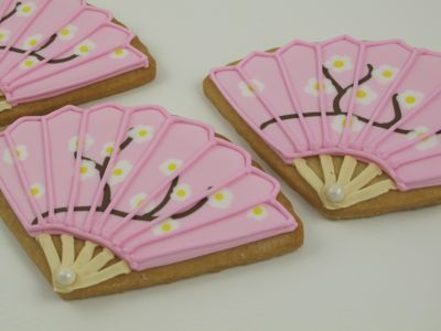 Chinese Charm Girl Birthday Party Ideas: fan cookies