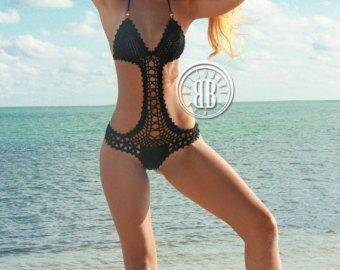 Classico e senza tempo. Questo bikini frangia è mano messa in discussioni di qualità con attenzione ai dettagli. Design in edizione limitata. Vi invieremo è facile seguire le istruzioni di dimensionamento per assicurare una perfetta forma una volta che si effettua un ordine